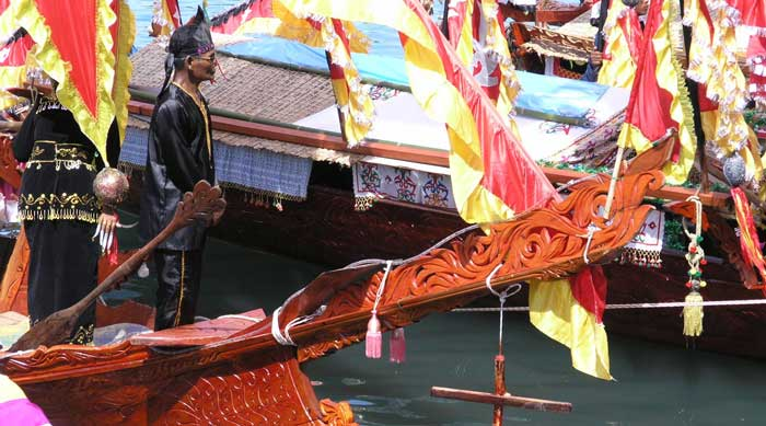 Lepa Boat Carving