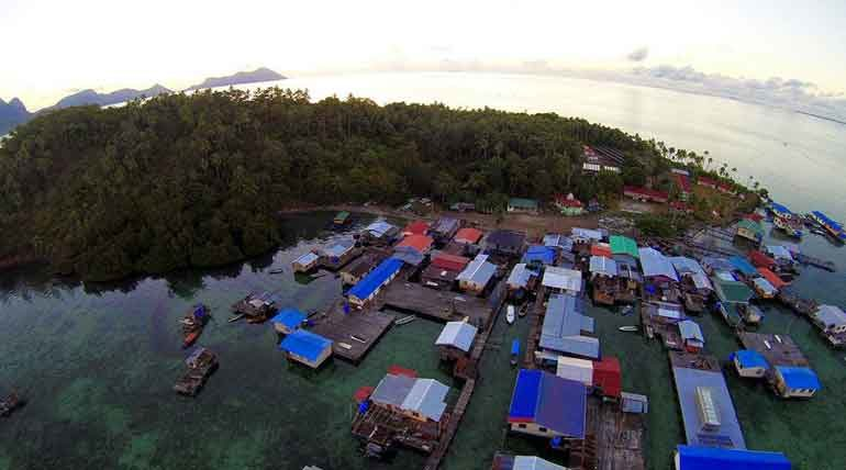 Aerial view of Selakan Island