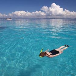 Snorkeling in Mabul
